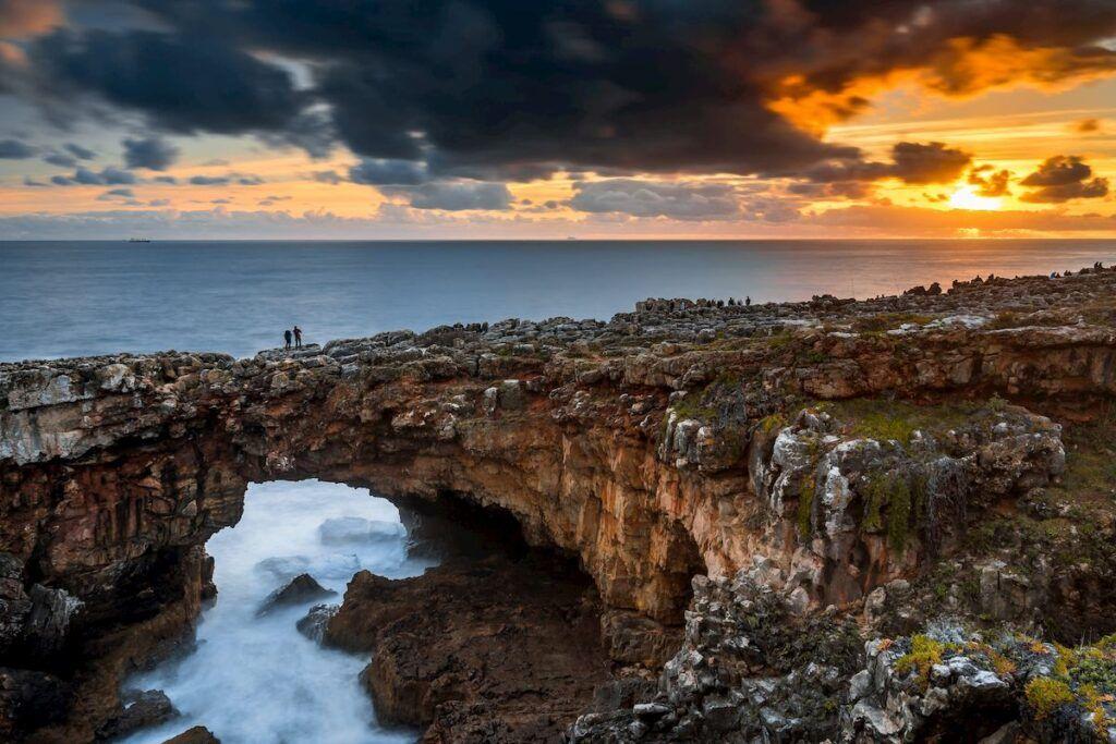Cosa vedere in Portogallo: La Boca do Inferno al tramonto, Cascais