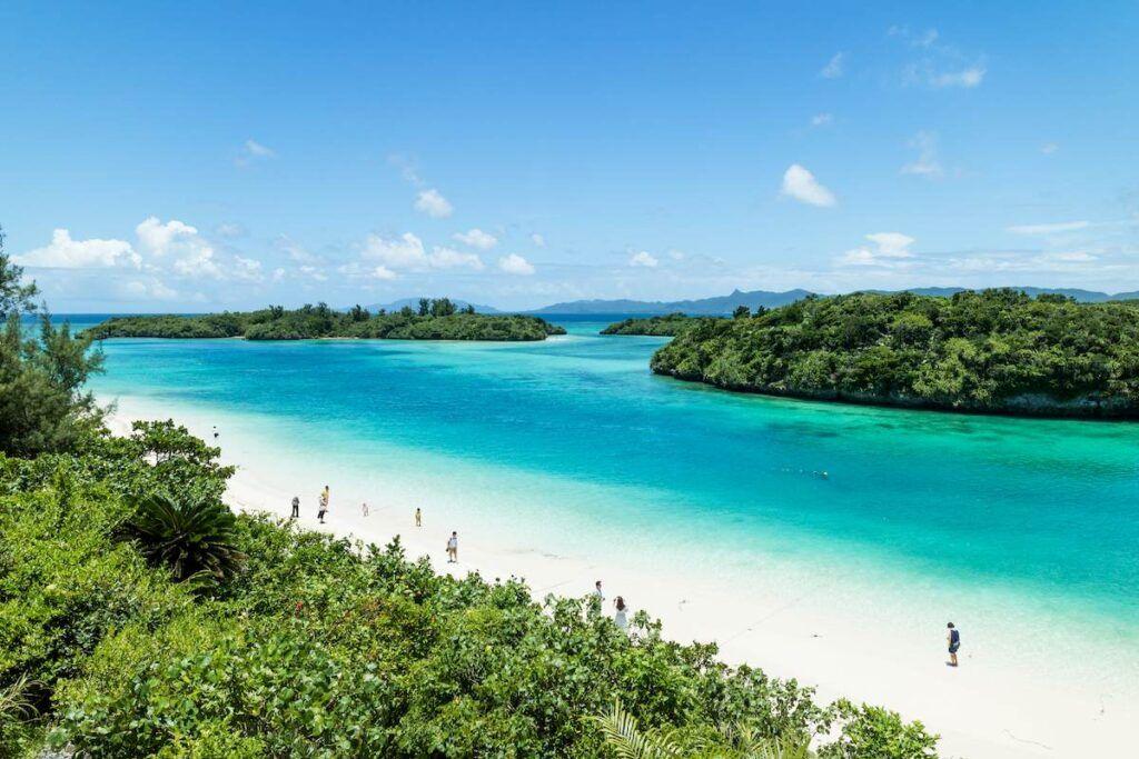 Okinawa: spiagge da sogno e mare cristallino.